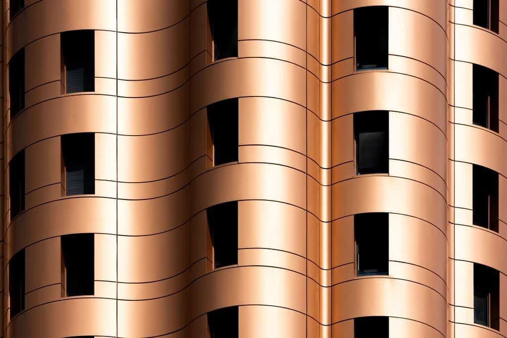 Coubes de la facade Alucobond de la tour des jeunes mariés à Noisiel - Photographe Architecture - Michael Bouton