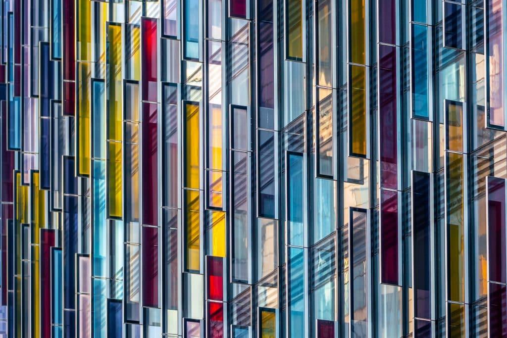 Façade en Verre du Park Plaza Westminster Bridge à Londres (BUJ Architects) - Photographe Architecture - Michael Bouton - edifice-photo.com