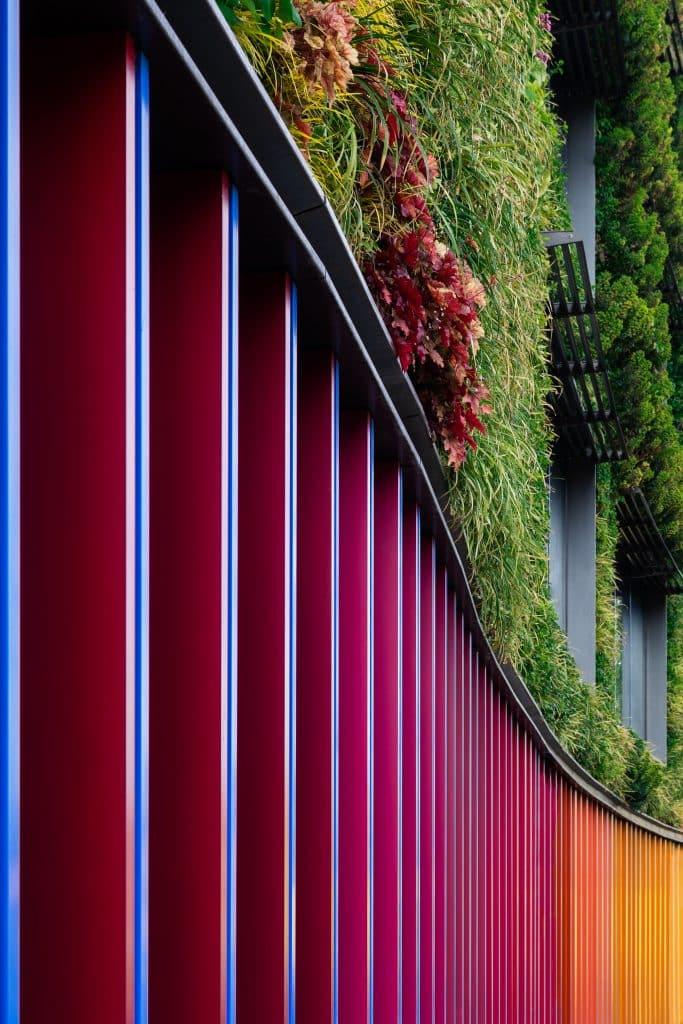 Végétation sur la façade de Viacom European HQ à Londres (Jocobs Webber) - Photographe Architecture - Michael Bouton - edifice-photo.com