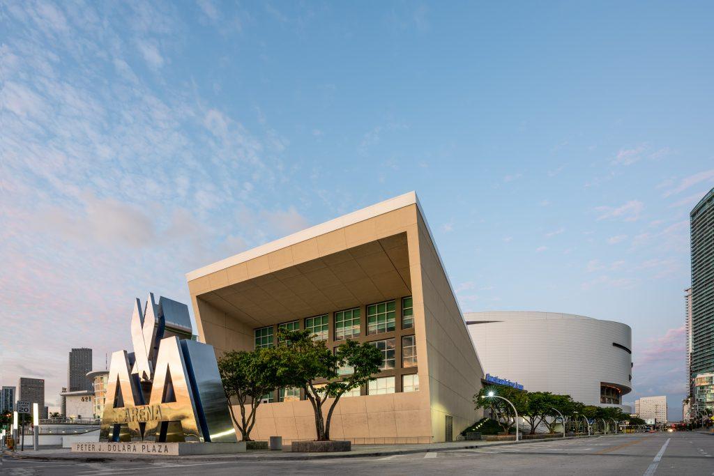 "Stade ""American Airline Arena"" à Miami en Floride (Architectes : Arquitectonica) - Michael BOUTON - Photographe architecture"