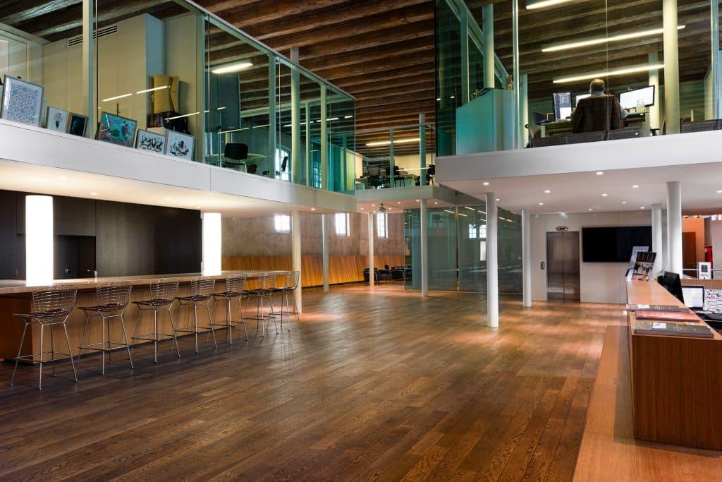 Hall d'entrée du Biocluster à Strasbourg en Alsace (Architectes : Denu & Paradon) - Michael BOUTON )- Photographe Architecture
