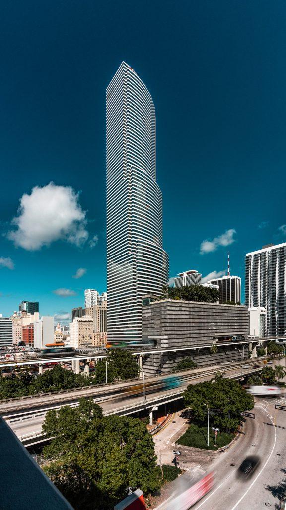 "Tour ""Miami Tower"" à Miami en Floride (Architectes : Pei Cobb Freed & Partners) - Michael BOUTON - Photographe Architecture"