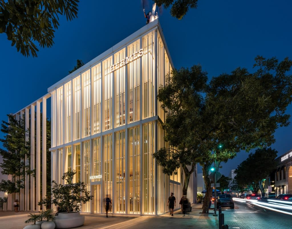 Boutique Hermes de nuit du Design District à Miami en Floride (Architectes : RDAI Architecture) - Michael BOUTON - Photographe Architecture