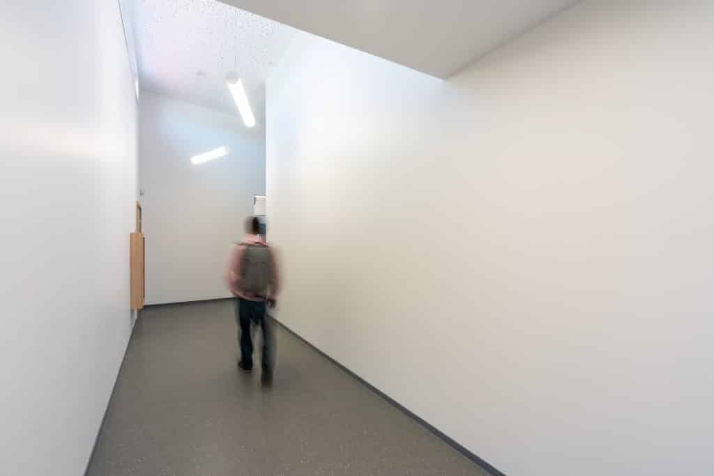 Entrée de l'école à Ernolsheim, près de Starsbourg en Alsace (Architectes : Architectes & Partenaires) - Michael BOUTON - Photographe Architecture