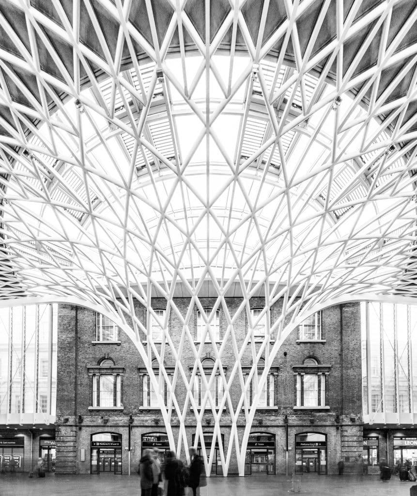 Structure Métallique de la Station King's Cross à Londres en Angleterre (Architectes : John McAslan + Partners) - Michael BOUTON - Photographe Architecture