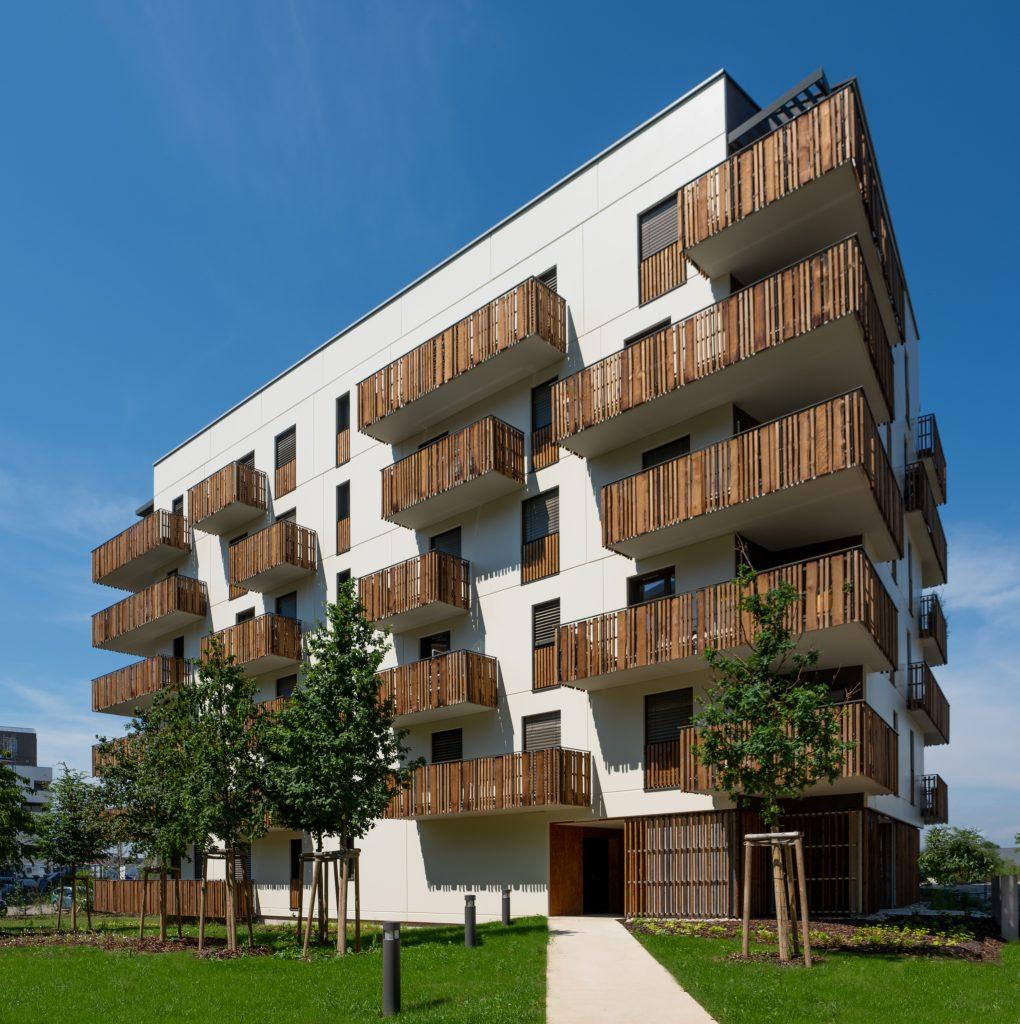 """Résidence """"Le Bois Habité"""", Illkirch près de Strasbourg en Alsace (architectes : Ajeance) - Photographe Architecture - Michael Bouton - Edifice-photo.com"""