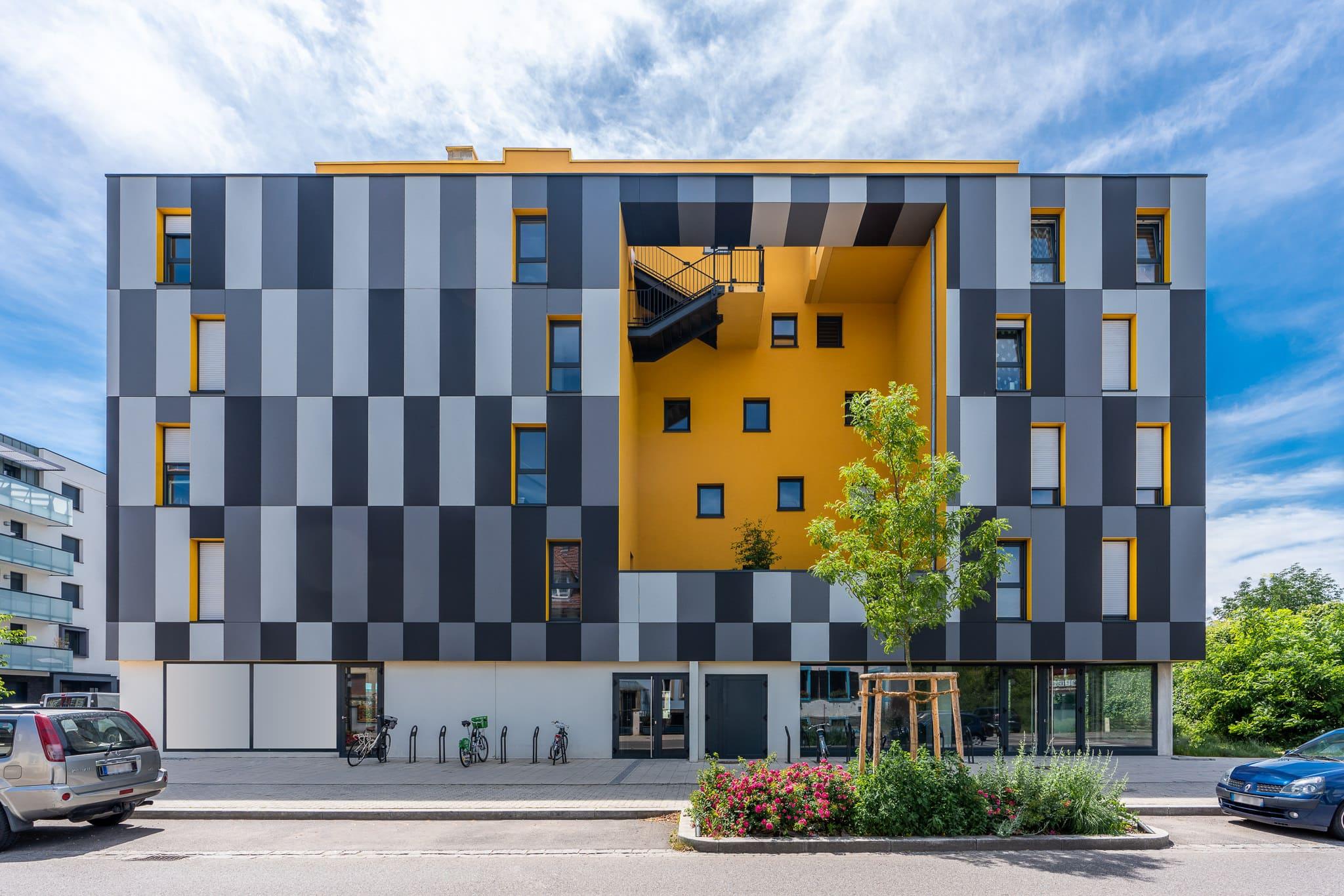 Bureaux et logements à Strasbourg en Alsace - edifice-photo.com - Retouche bureau Harmonie 4 - Nettoyage du batiment