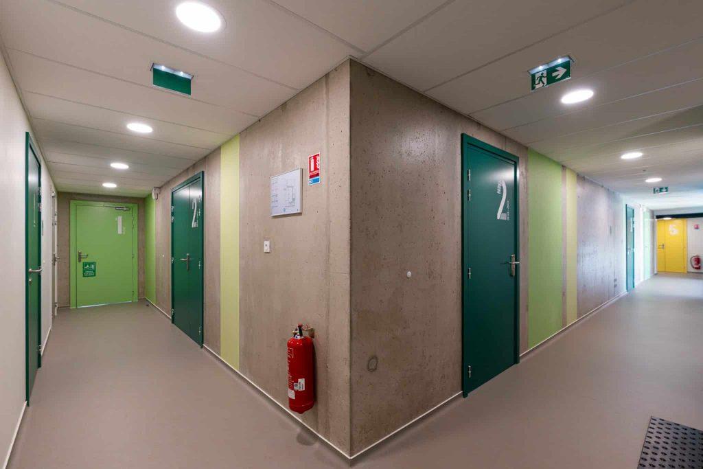 Photographe Architecture Alsace Renovation touches de couleurs sur les murs scolaires